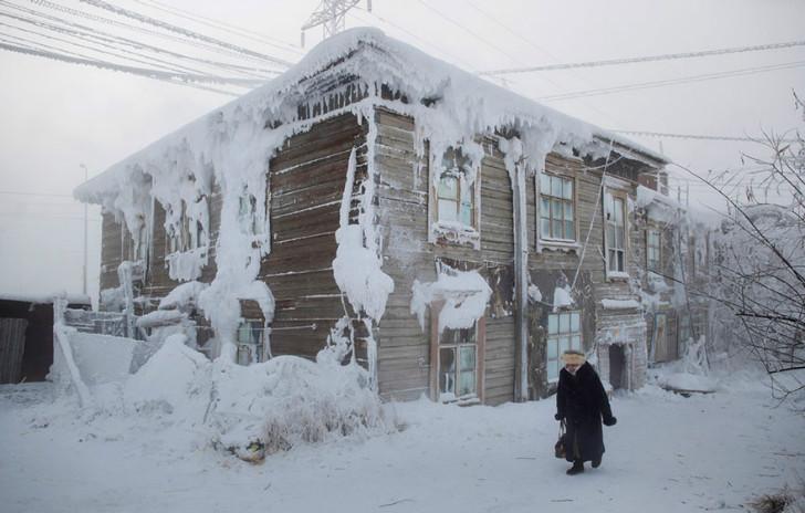 soğuktan buz tutan kadın