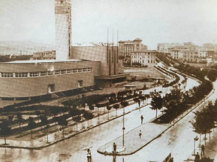 Sergievi (şimdiki Opera Binası) ve Bankalar Caddesi
