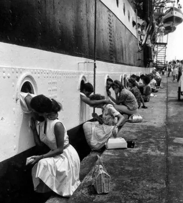 2. dünya savaşı vedalaşma siyah beyaz