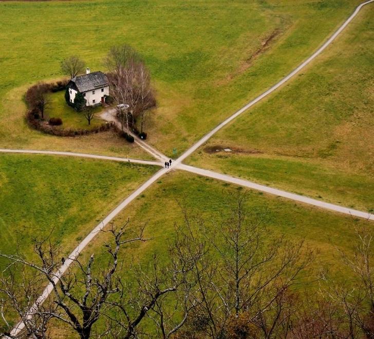 avusturya ev dört yol doğa
