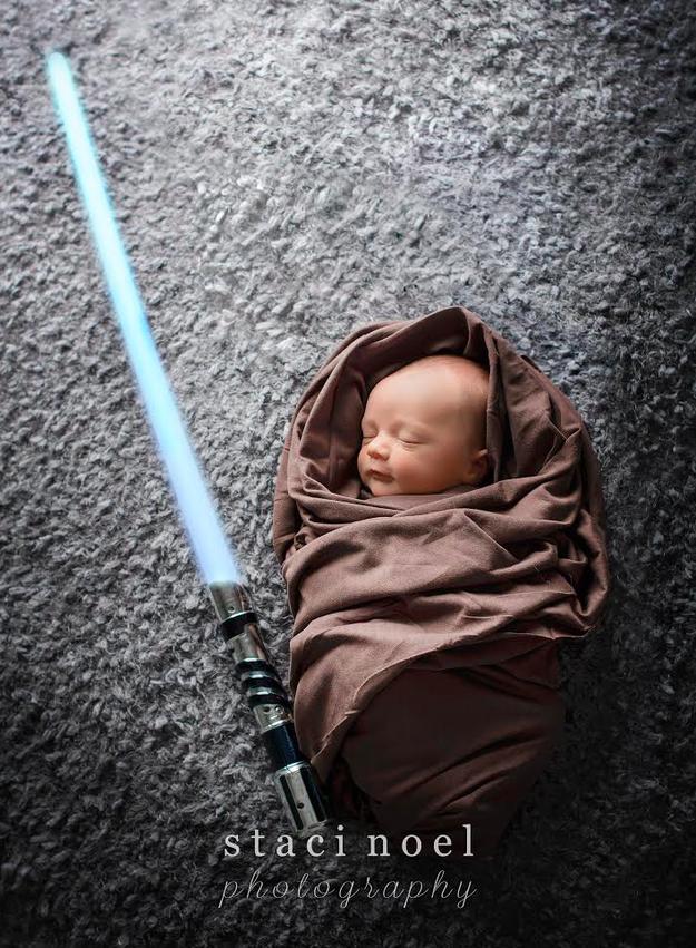 star wars ışın kılıcı bebek fotoğrafı