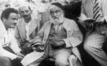 necip fazıl Abdülhakim Arvasi ile birlikte