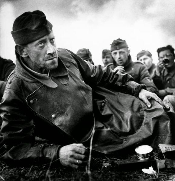 Robert Capa - Amerikalıların elindeki alman asker