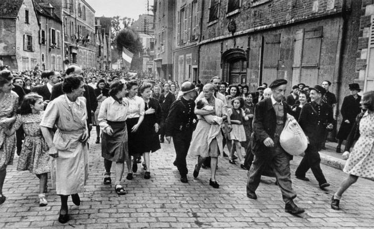 Robert Capa - Fransa 1944
