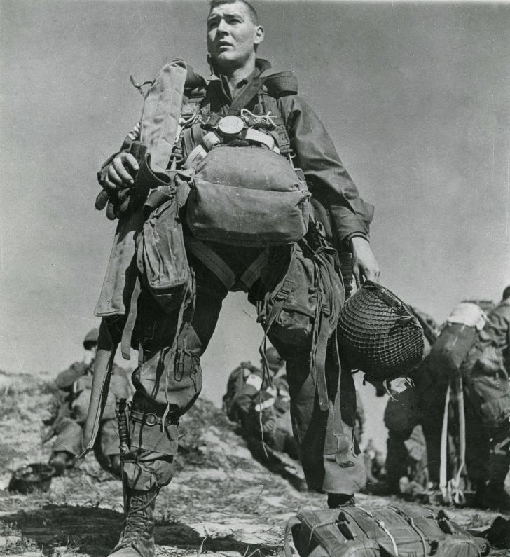 Robert Capa - Ren Nehri Üzerinde 1945