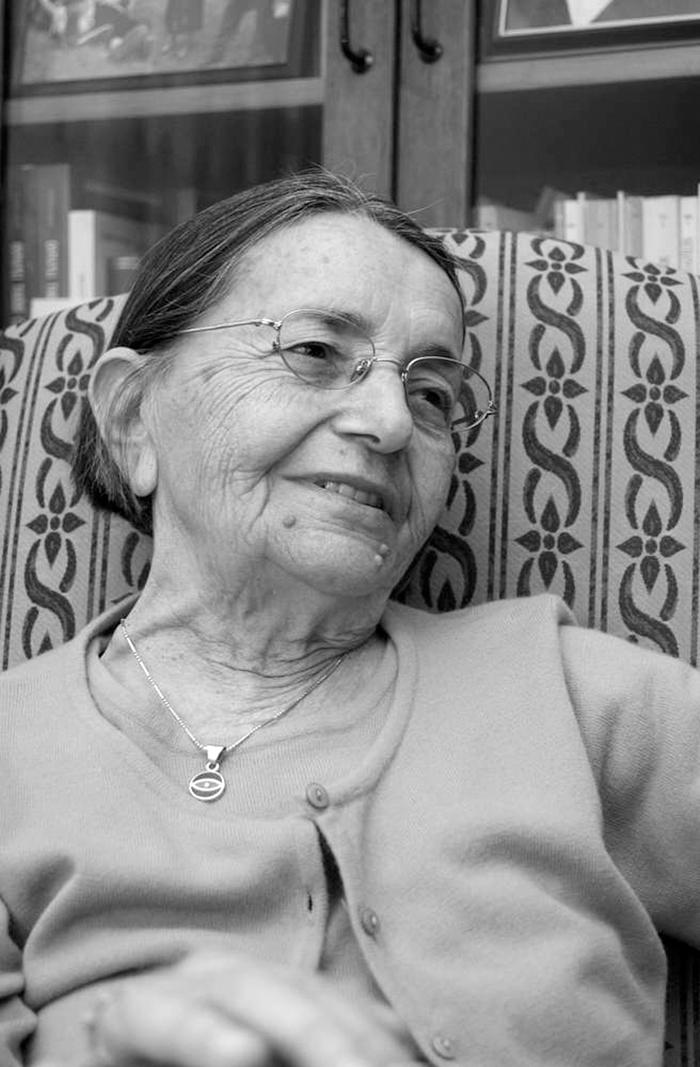 kadın şair gülten akın ve şiirleri