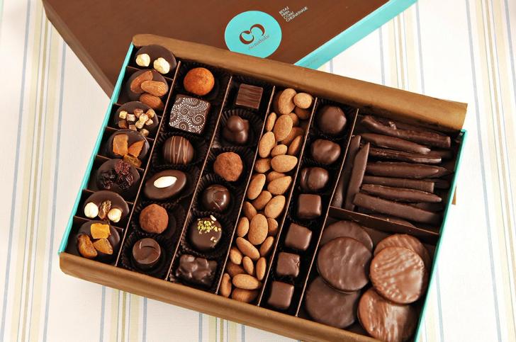 beyaz fırın çikolata, istanbul tatlıcıları, istanbulda nerede tatlı yenir, en iyi tatlıcılar