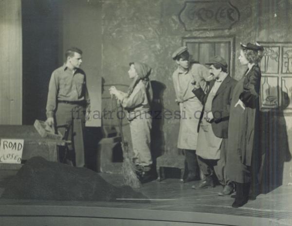 köşebaşı, ahmet kutsi tecer, türk tiyatrosu, türk tiyatrosu önemli oyunlar, türk tiyatrosu nedir, en önemli tiyatro oyunları, türk tiyatro oyuncuları