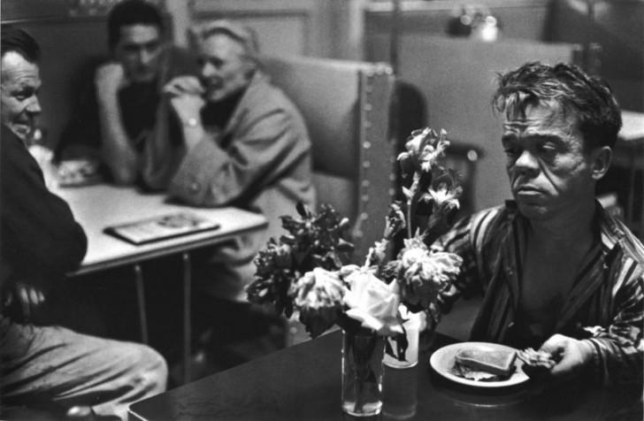 bruce davidson, magnum ajansı, magnum ajansı fotoğrafçıları, fotoğraf, yalnızlık fotoğrafları, yalnızlık şiirleri, ünlü fotoğrafçılar