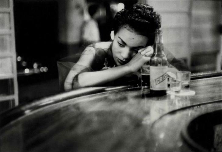 eve arnold, magnum ajansı, magnum ajansı fotoğrafçıları, fotoğraf, yalnızlık fotoğrafları, yalnızlık şiirleri, ünlü fotoğrafçılar