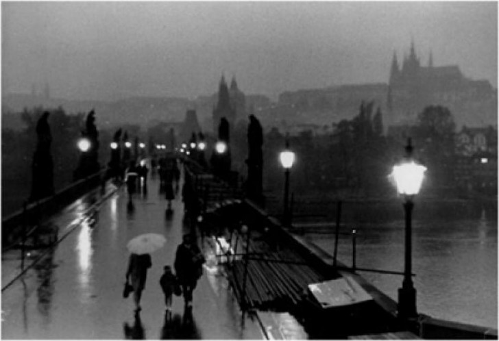 Willy Ronis, Pont Charles, Prague, 1967