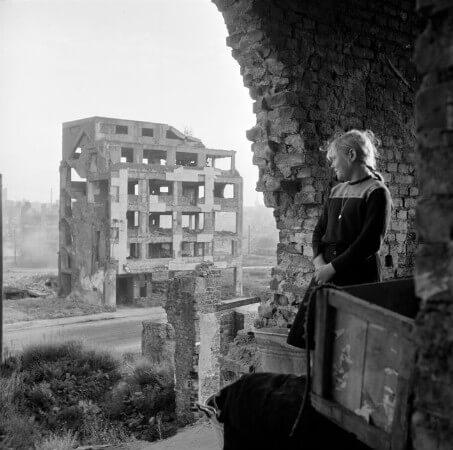 Erich Lessing, Dusseldorf, 1951