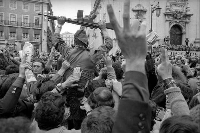 Gilles Peress, Portekiz, 1974
