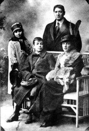 borges ve ailesi