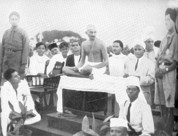 gandhi 1915