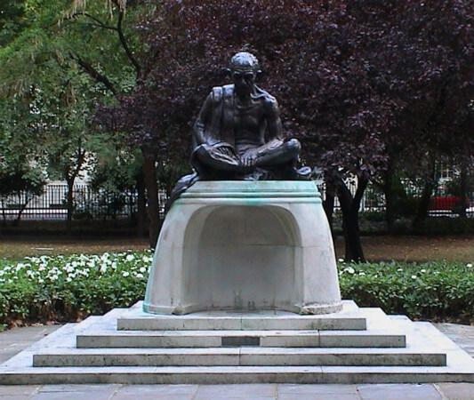 gandhi heykel