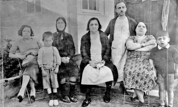 adile nasit ve ailesi