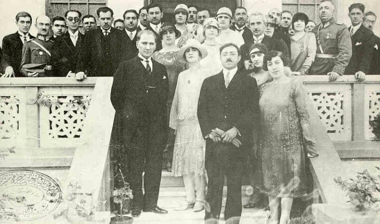 Afgan Krali Amanullah Khan ile Birlikte, 1928