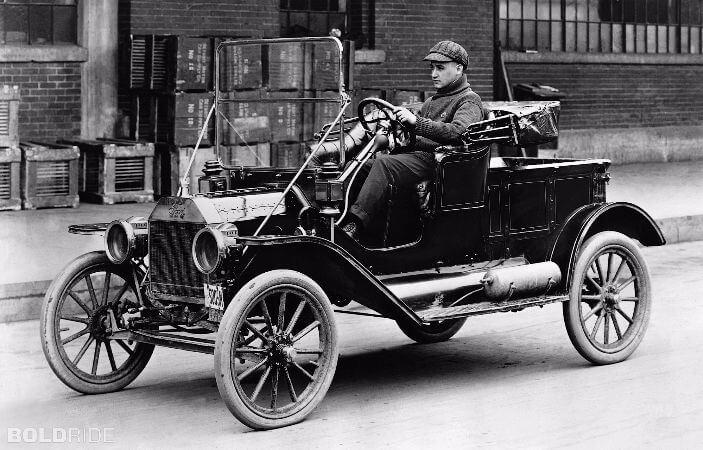 Henry Fordun ilk arabasi Model-T