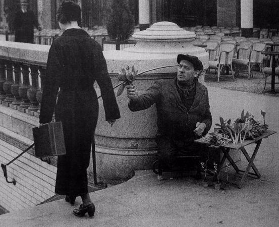 Andre Kertesz, Paris, 1928