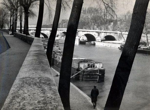 Andre Kertesz, River Seine, Paris, 1929