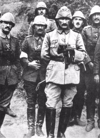 Canakkale Savasi'nda, 1915