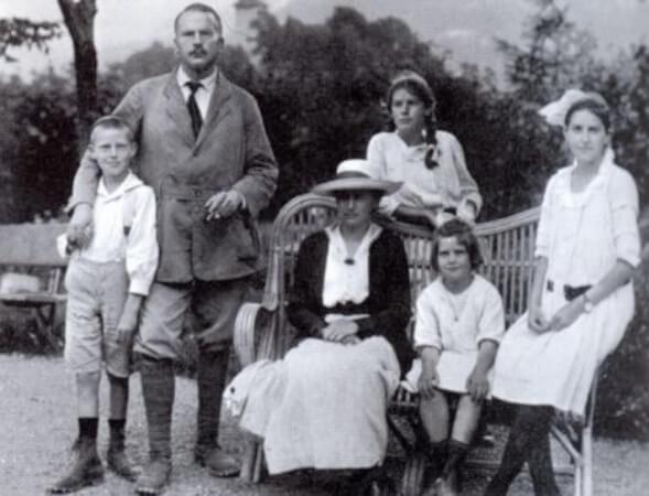 Carl Gustav Jung, karisi ve cocuklariyla