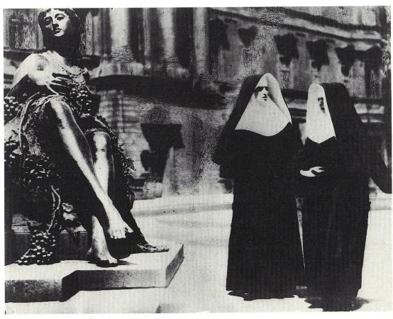 Tina Modotti, Street Scene, Berlin, 1930
