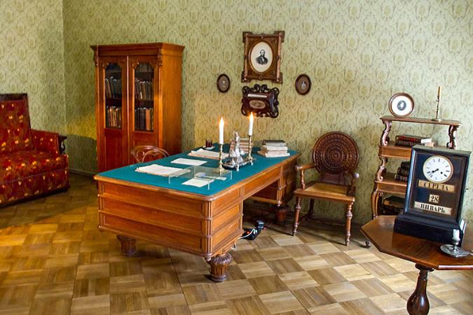dostoyevski muzesi