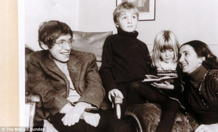 Stephen Hawking ailesiyle