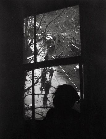 Izis Bidermanas, Boulevard de Clichy, Paris, 1940
