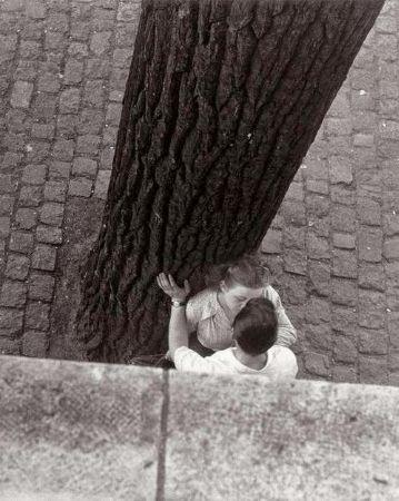 Izis Bidermanas, Paris, 1949