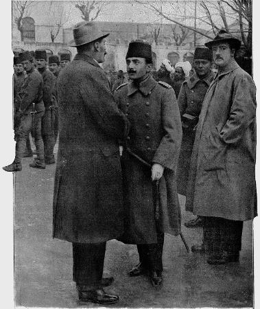 Colonel Tyrrell ve Enver Pasa, 1913