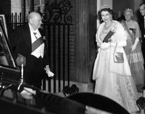 Kralice Elizabeth ve Winston Churchill, 1953