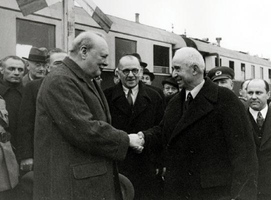 Winston Churchill ve İsmet İnonu, Adana Gorusmeleri, 1943