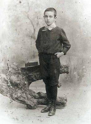 Fernando Pessoa, 1898