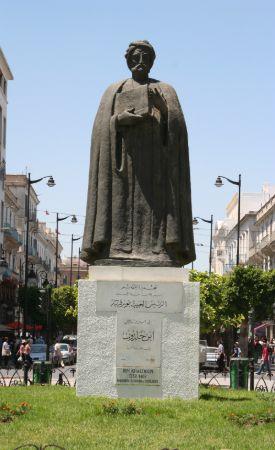 İbn-i Hâldun'un Tunus'ta bulunan heykeli