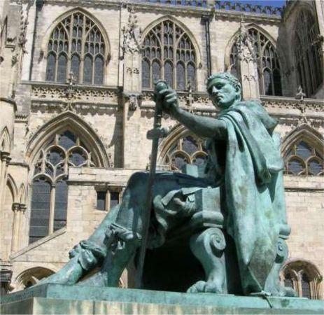 I. Konstantin Heykeli, York Minster, İngiltere