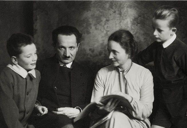 Heidegger ve Ailesi