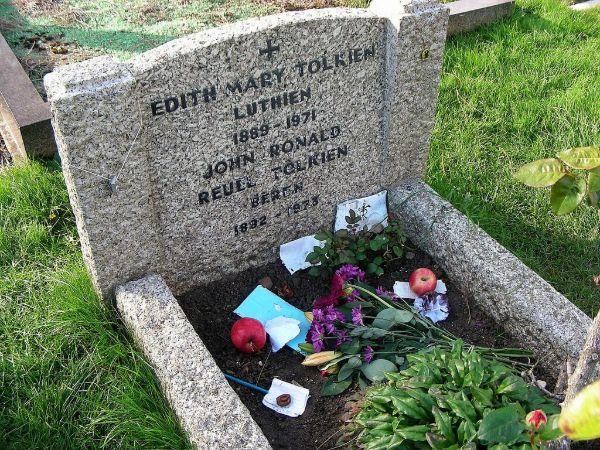 Tolkien Mezarı