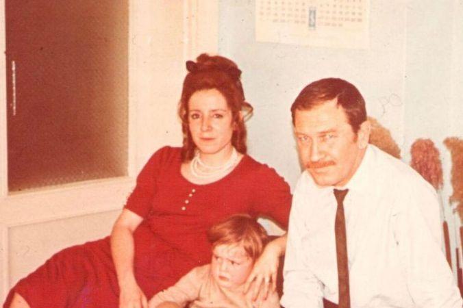 Tomris Uyar, Turgut Uyar, Oğulları ile