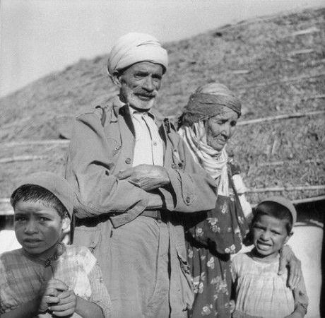 Pierre Bourdieu'nun Cezayir'de bulunduğu yıllarda çektiği fotoğraflardan