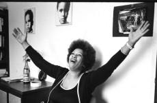 Kolları açılmış Toni Morrison (1)