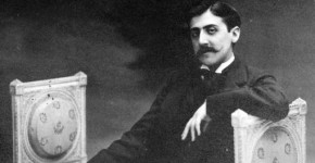 Marcel Proust koltukta (1)