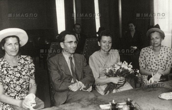 İkinci eşi Eleonore Katharina Schwindt ile evlilik töreni, 1947
