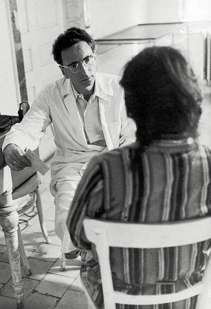 Victor Frankl, bir hastayı tedavi ederken (1)