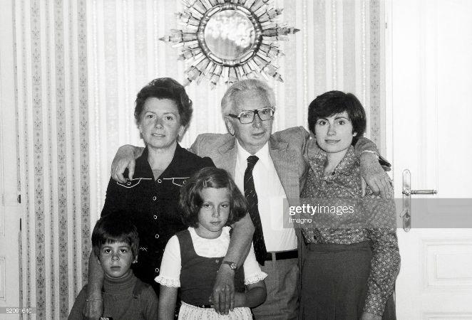Viktor Frankl eşi Eleonore, kızı Gabriele ve torunları Katharina ve Alexander ile birlikte, 1978