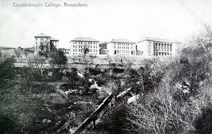 Arnavutköy Kız Koleji