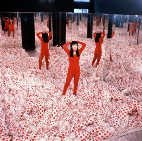 Infinity Mirror Room—Phalli's Field, 1965